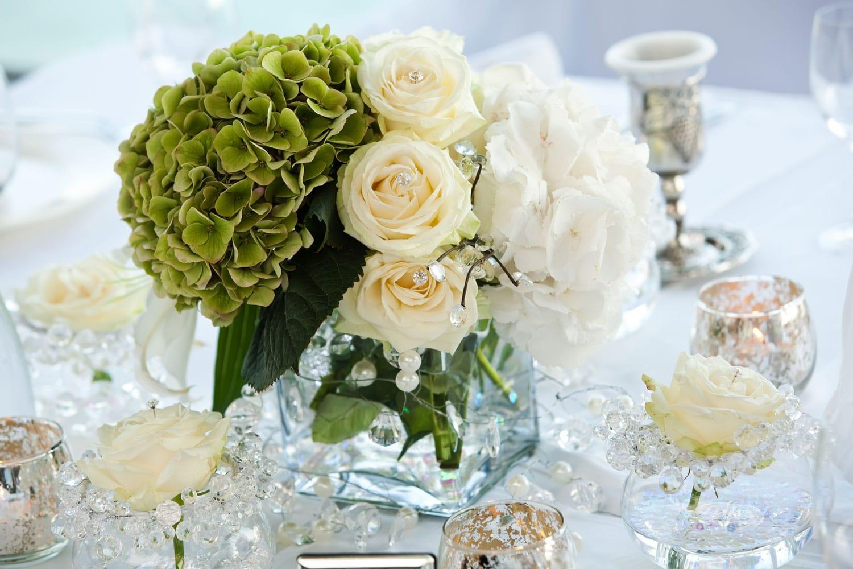 Hochzeitsfloristik - schlichtes Tischgesteck